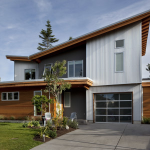 Contemporary Family Home in Tsawwassen, BC